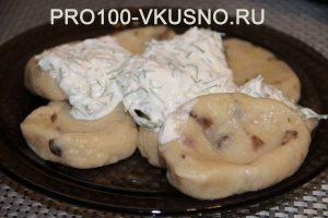Ленивые картофельно-грибные вареники.