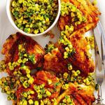 Запеченная курица с кукурузой и соусом песто.