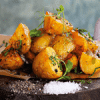 Запеченный картофель с сальсой из паприки
