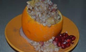 Перловая каша на молоке с апельсином и гранатом