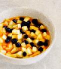 Персиково-черничный крамб