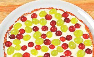 Тарт с виноградом.