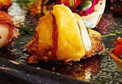 Круассаны с голубым сыром.