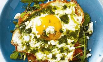 Тосты с яйцом.