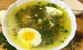 Мясной суп со щавелем и сельдереем