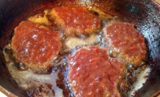Оладьи из свиной печени с морковью и луком