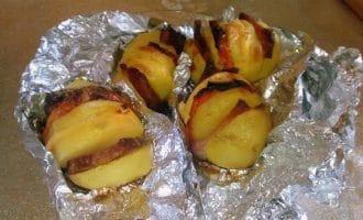 Картошка-гармошка с копчёной грудинкой