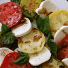 Салат капрезе с бальзамическим соусом