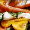 Салат из персиков и помидоров