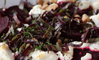 Салат с запечённой свеклой